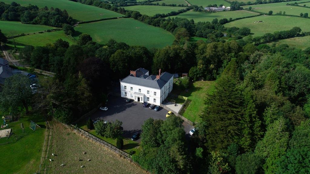 Pen Y Coed Mansion Ffynnongain Lane, St Clears, Carmarthenshire, SA33 4JR