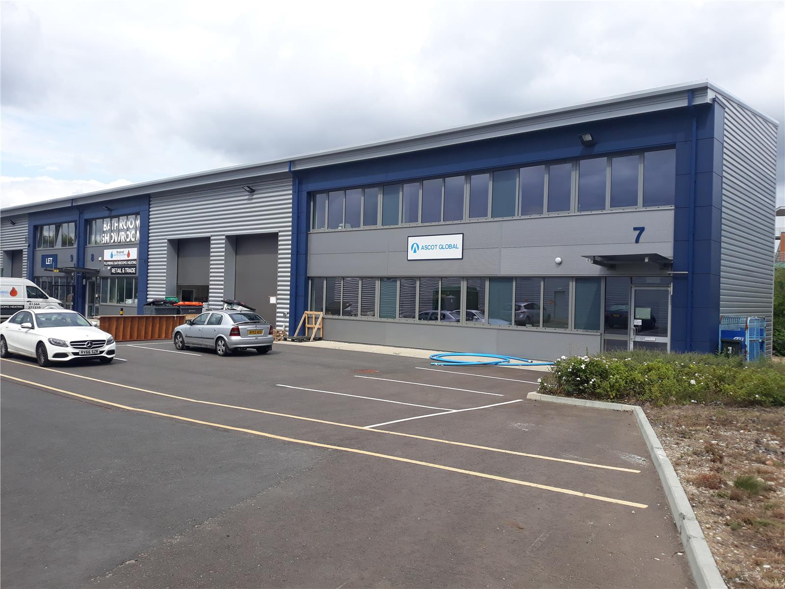 Unit 7 Trade City , Western Road, Bracknell , RG12