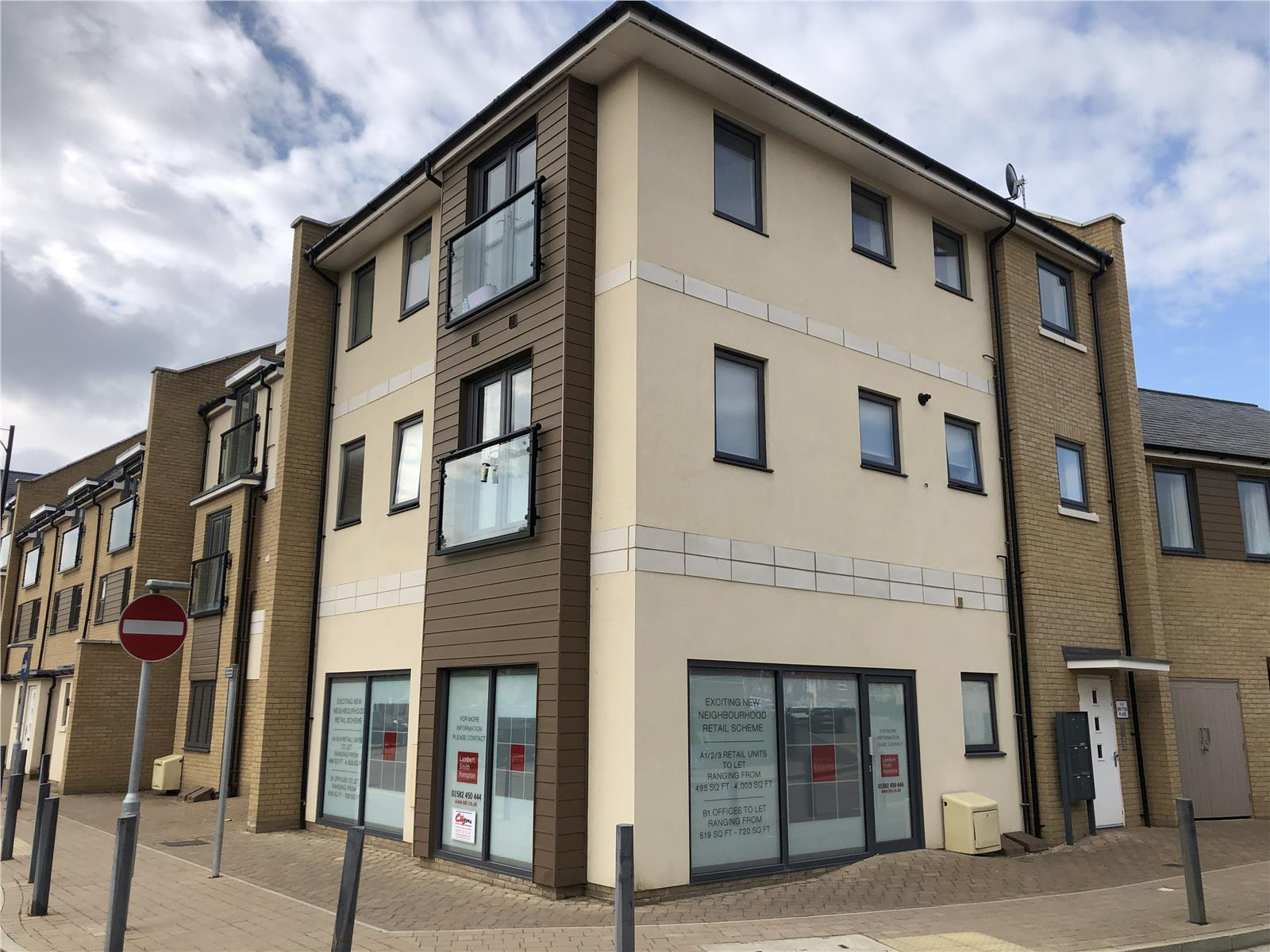 376 Central Square (offices), Kings Reach, Biggleswade, Bedfordshire, SG18